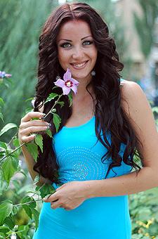 Ukrainian girls photo gallery. Meet and Date single ladies